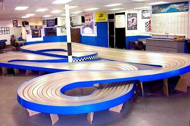 Buena park slot car racing petit meuble a roulette salle de bain